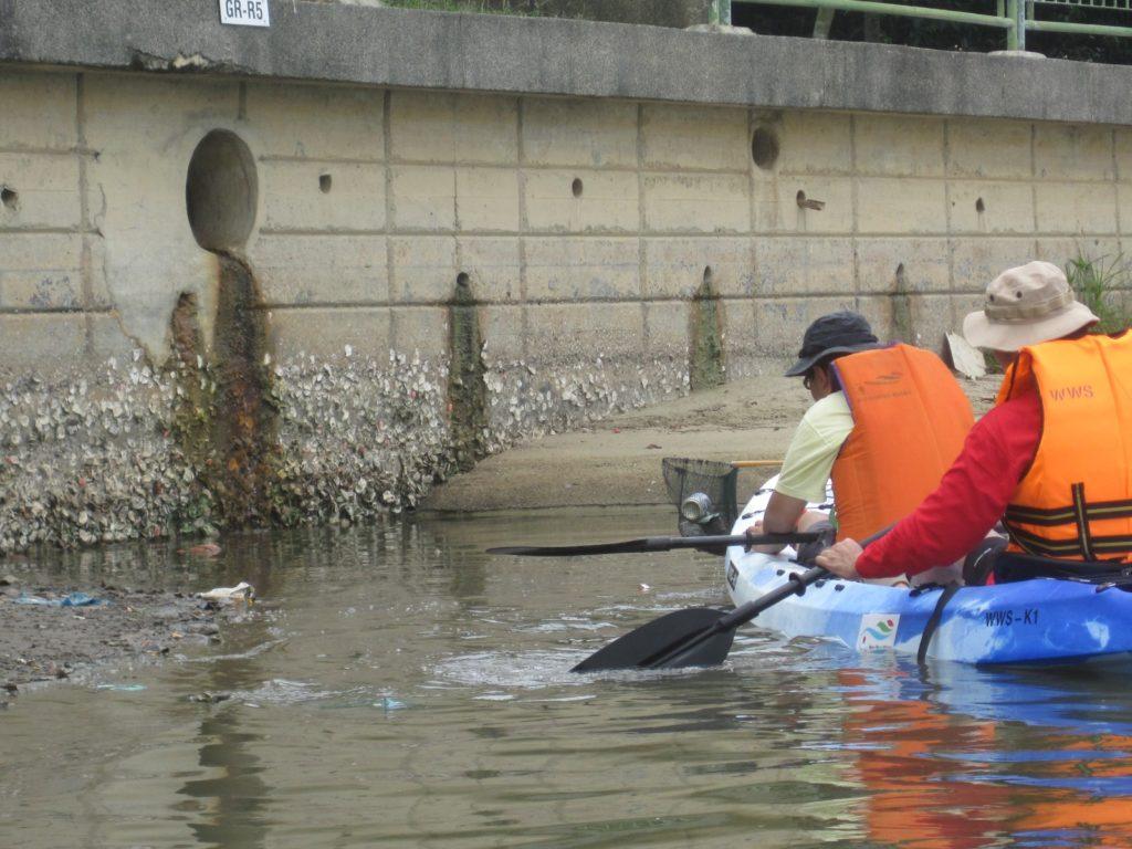 Clean-up Patrols on Kayaks